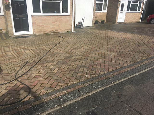 driveway cleaning Swindon