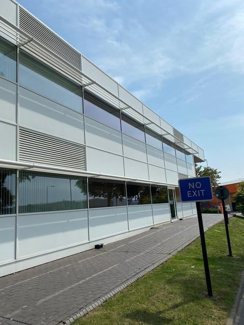 window cleaning for large business building in swindon